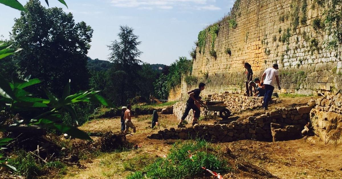 Oprava hradeb s technikou 13. století